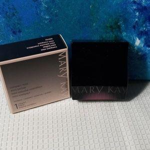 Mary Kay mini compact